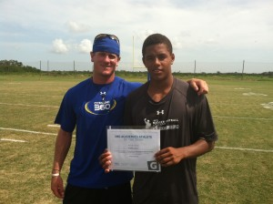 Hunter Lackey wins the IMG Academy Athlete of the Week award presented by Gatorade.